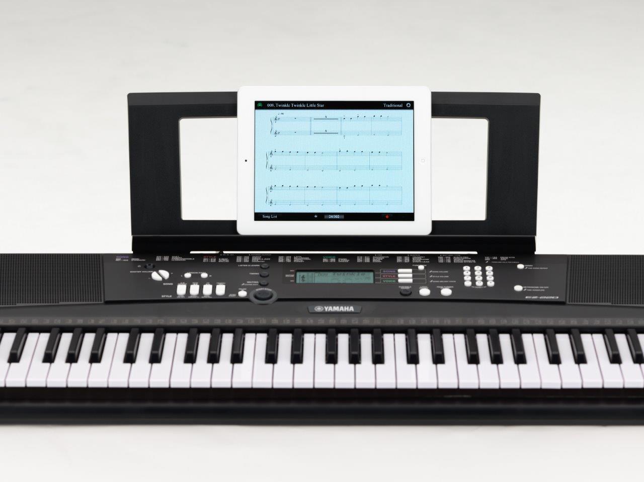 Yamaha EZ220 - a top 10 61 key keyboard piano for beginners